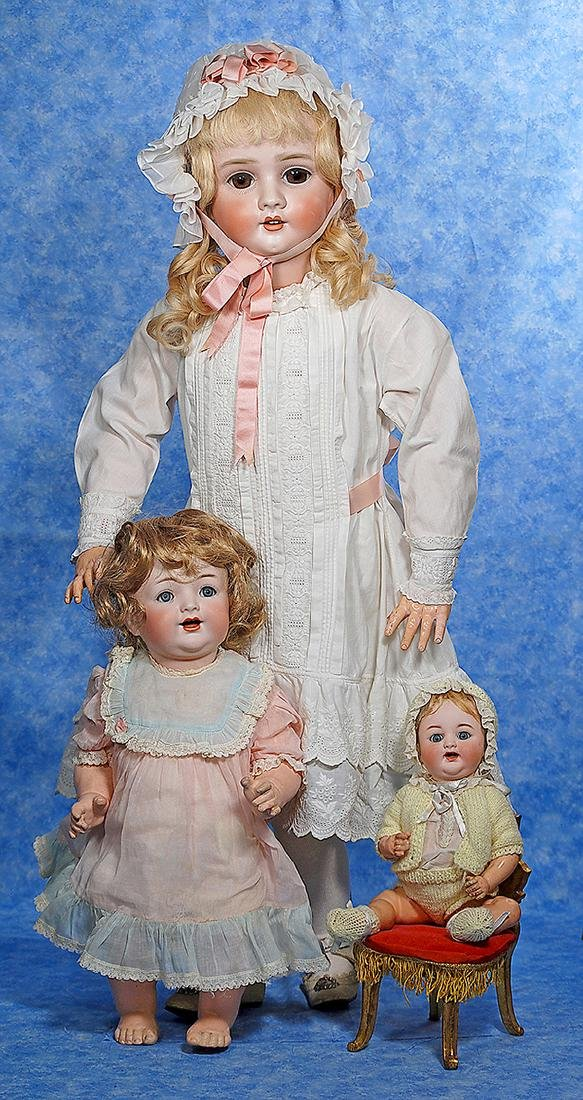 147. TWO GERMAN BISQUE DOLLS BY KAMMER & REINHARDT.