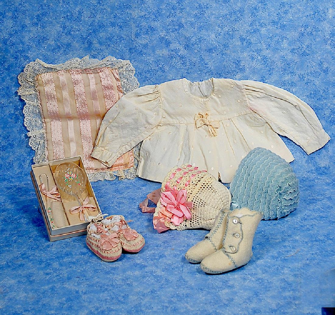 148. ACCESSORY ITEMS FOR BABY DOLL. Includes: Ivory