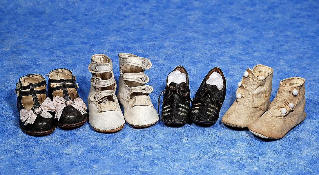156. FOUR PAIR OF ANTIQUE AND VINTAGE SHOES FOR LARGE