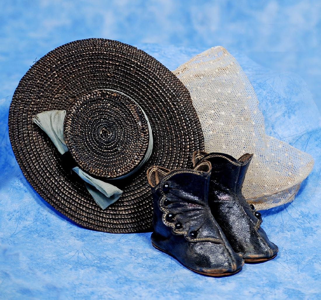 205. ANTIQUE DOLL BOOTS AND STRAW BONNET. 3 ¼