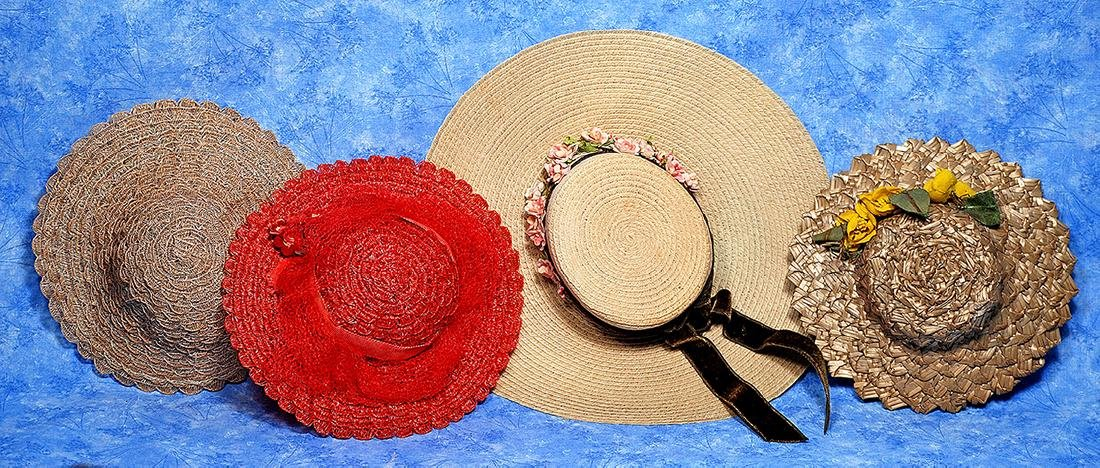 """223. FOUR VINTAGE STRAW HATS. 2 ¾"""" to 3"""