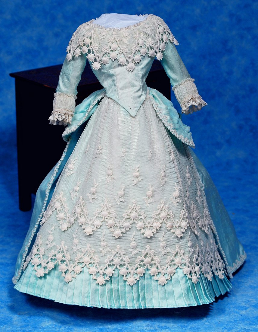 226. BLUE SILK FRENCH FASHION GOWN. Two-Piece gown of - 3