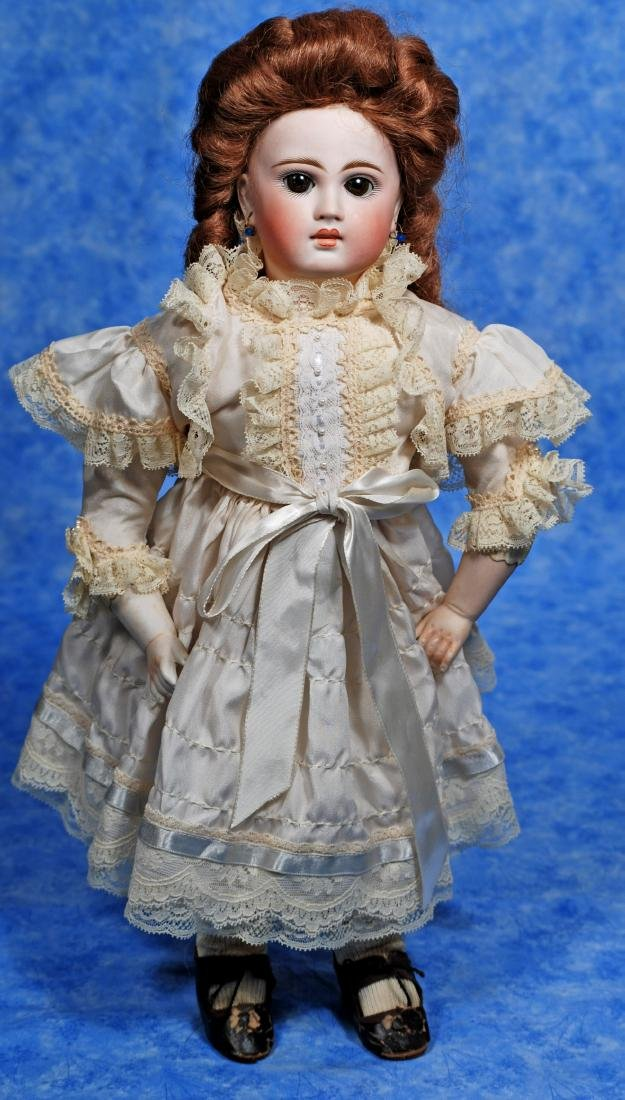 251. SONNEBERG CLOSED-MOUTH BISQUE DOLL ON BREVETE