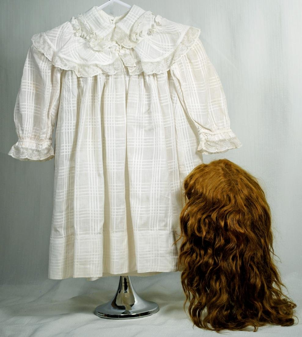 90. ANTIQUE DOLL DRESS AND WIG FOR LARGE DOLLS. White