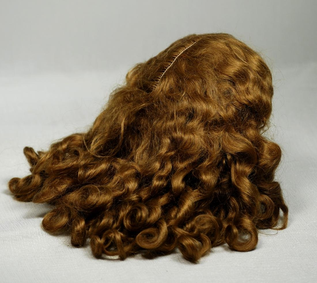 148. GORGEOUS ANTIQUE DOLL WIG. Warm brown mohair wig