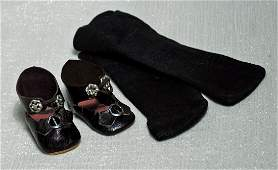 """208. ANTIQUE DOLL SHOES AND SOCKS. 2"""" L. pair of"""