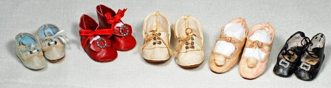 "217. FIVE PAIR OF DOLL SHOES. Length 2 ¼"" to"