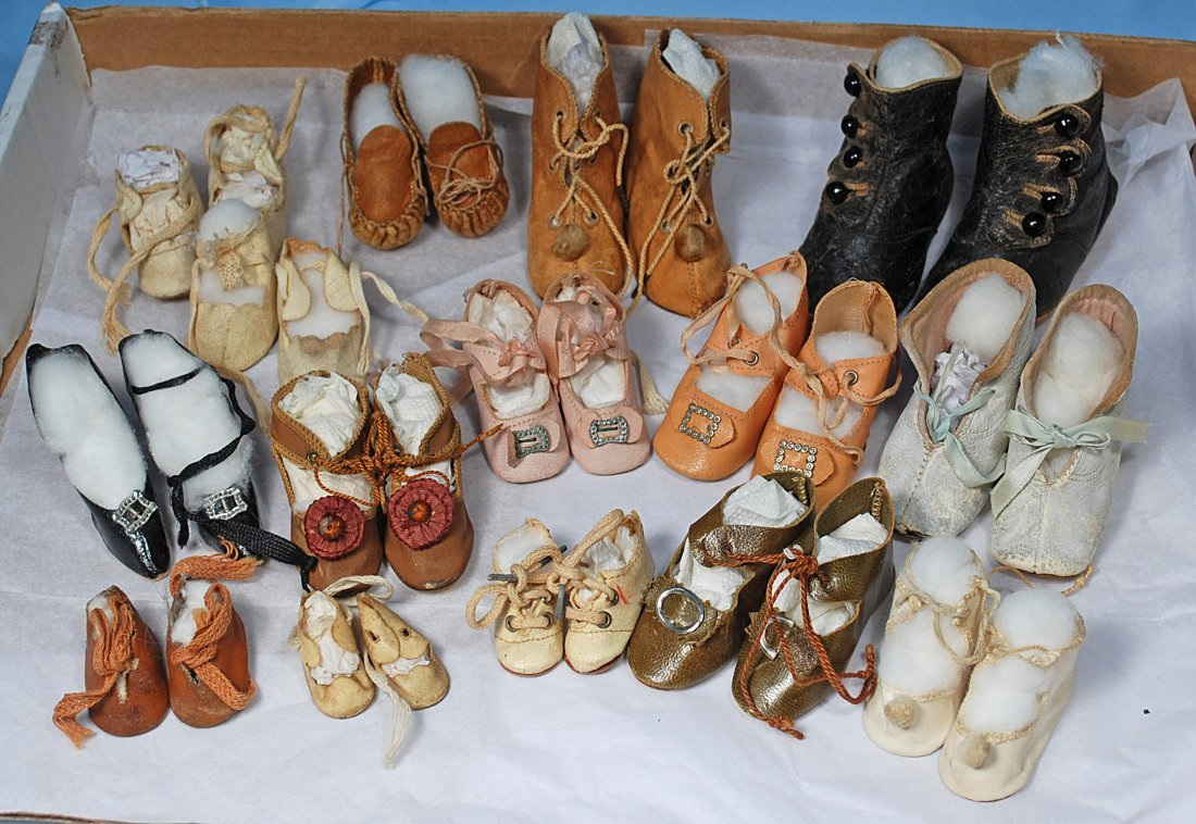 COLLECTION OF DOLL SHOES