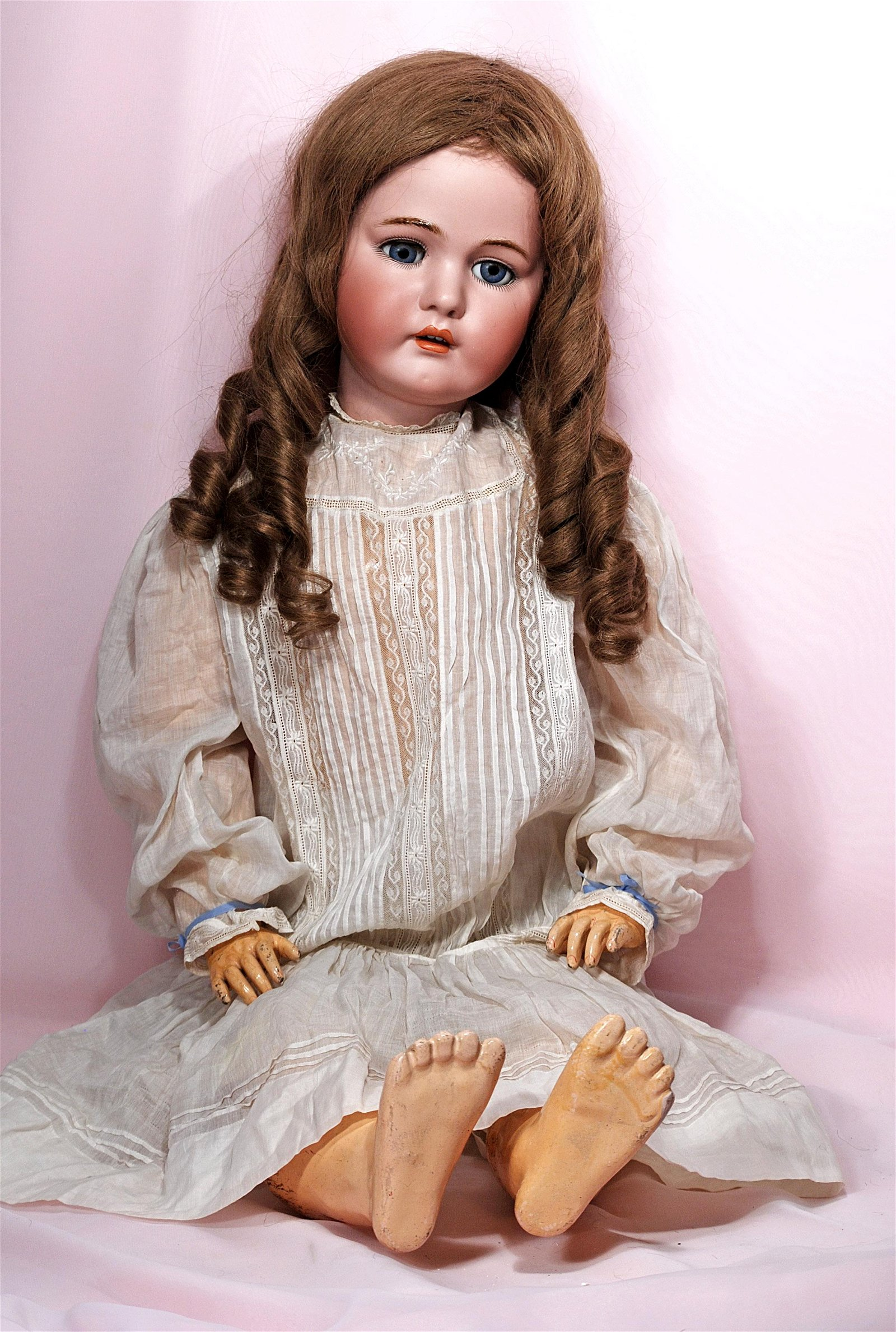 BEAUTIFUL GRAND SIZE GERMAN BISQUE CHILD BY KAMMER &