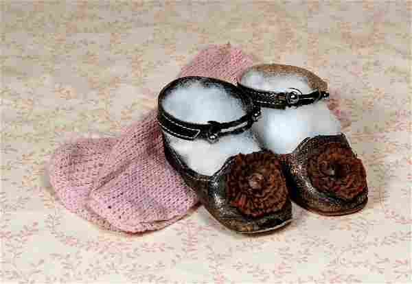 PAIR OF ANTIQUE DOLL SHOES AND SOCKS