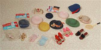 ACCESSORY ITEMS FOR COLLECTIBLE DOLLS.