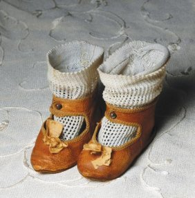 PAIR OF ANTIQUE SHOES & SOCKS FOR FRENCH BEBE. 3