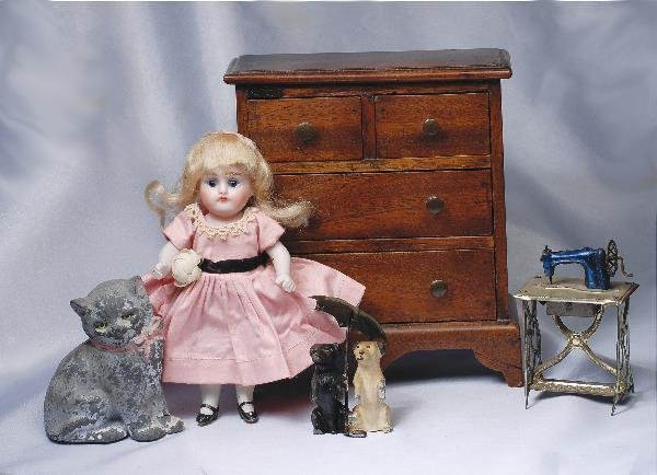 27: MINIATURE METAL KITTY & DOGS. Cast metal animals