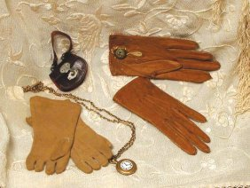 """PURSE AND WATCH FOR FASHION DOLL. 1 �"""" W. Expand"""