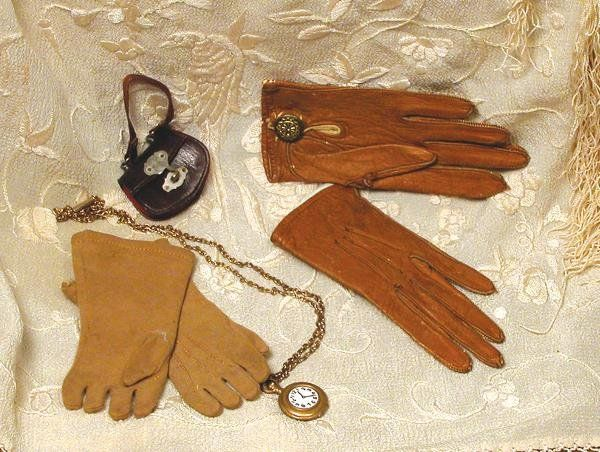 """PURSE AND WATCH FOR FASHION DOLL. 1 ¾"""" W. expand"""
