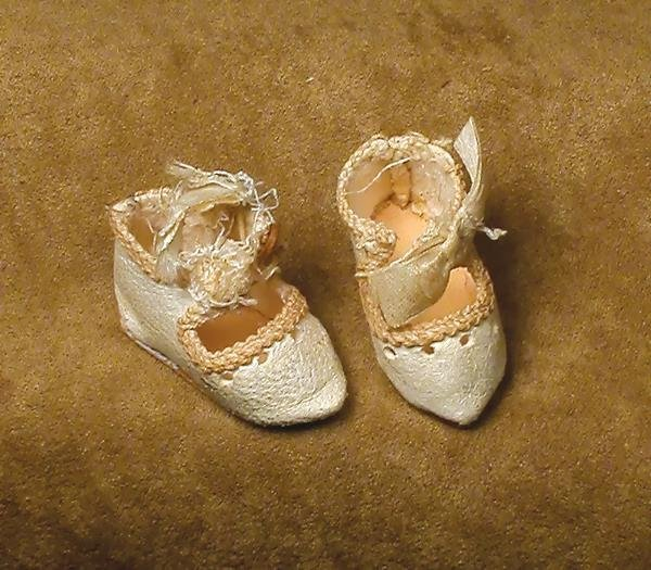 """36: PAIR ANTIQUE TINY SIZE """"0"""" DOLL SHOES. 1 ¼"""" leng"""
