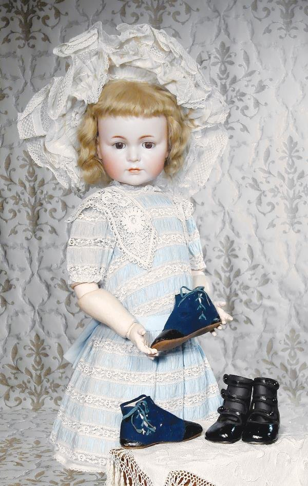 """38: TWO PAIR ANTIQUE DOLL SHOES. (1) Pair 5 ½"""" L. Na"""