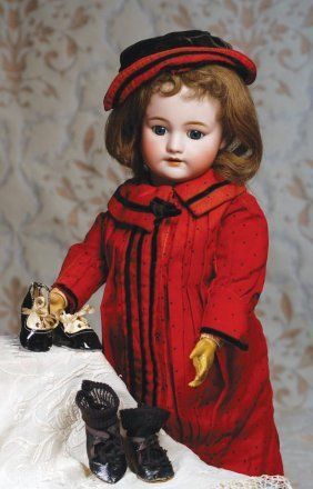 """TWO PAIR OF ANTIQUE DOLL SHOES. (1) 2 �"""" L. Pai"""