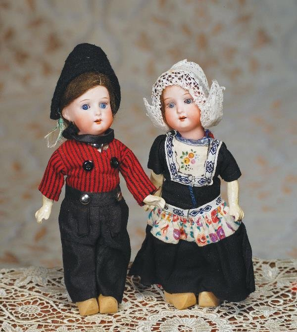 98: PAIR OF TINY ALL-ORIGINAL GERMAN BISQUE DOLLS BY