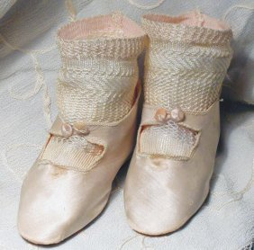"ANTIQUE PINK SILK DOLL SHOES WITH SOCKS. 4 �"" L"
