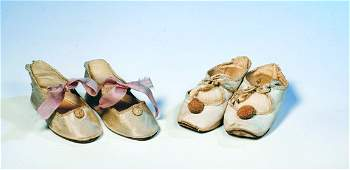"""76: TWO PAIR ANTIQUE DOLL SHOES. Includes: 3 ¼"""""""" pair"""