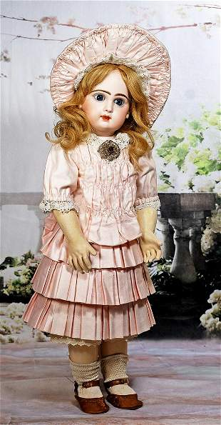 VERY LOVELY FRENCH BISQUE BLUE-EYED BEBE BY JUMEAU