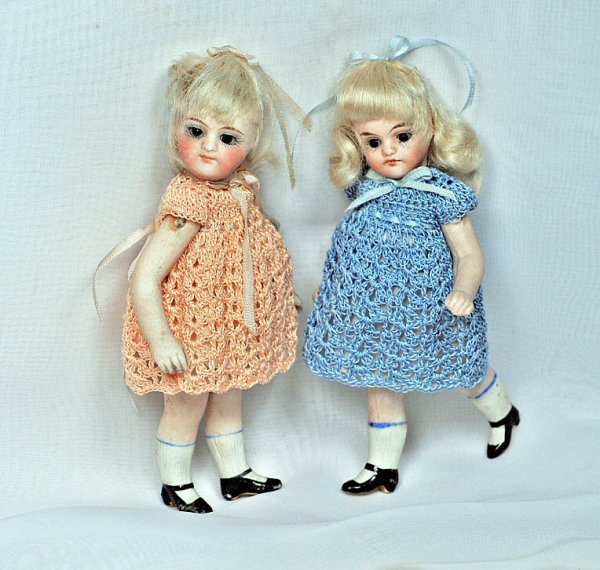 10: GERMAN SLENDER ALL-BISQUE DOLL WITH SWIVEL NECK.  4