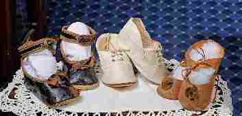 243: THREE PAIRS OF ANTIQUE DOLL SHOES. Includes: 3