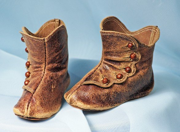 """2A: PAIR ANTIQUE BROWN LEATHER DOLL BOOTS.  3"""" L.  Medi"""