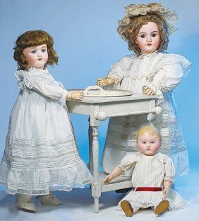 4: ANTIQUE KATE GREENAWAY-STYLE DOLL'S WASHSTAND