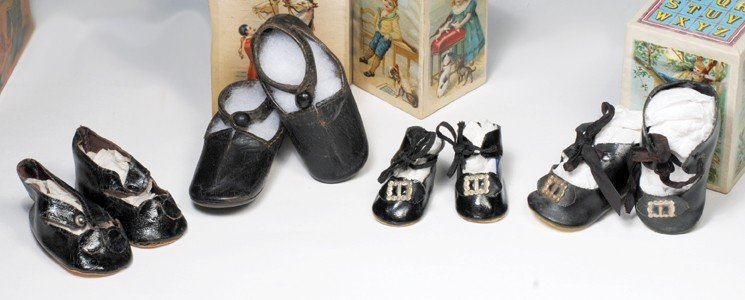 158: FOUR PAIR OF DOLL SHOES