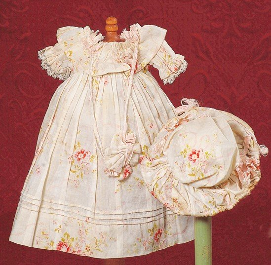 4: ANTIQUE CREAM VOILE FROCK & MATCHING BONNET WITH PIN