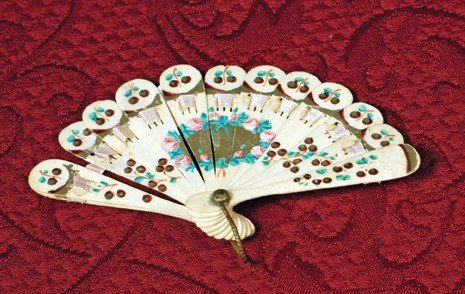 15: FRENCH MINIATURE FAN WITH ELABORATE FLORAL DECORATI