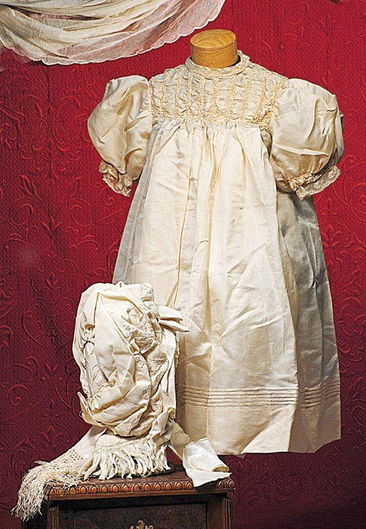 183: VERY ELABORATE IVORY BONNET FOR LARGE DOLL.  Lavis