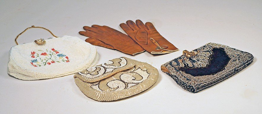 186: ANTIQUE PURSES AND PAIR OF GLOVES.  Includes three