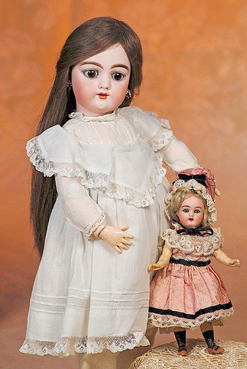 18: ALL-ORIGINAL TINY GERMAN BISQUE DOLL BY KAMMER & RE