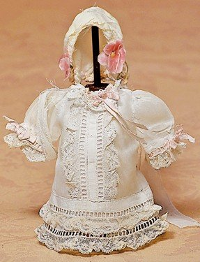 156: WHITE DRESS AND BONNET FOR SMALL DOLL
