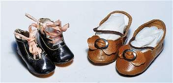 """430: TWO PAIR OF ANTIQUE DOLL SHOES. Includes: 2"""" L. b"""