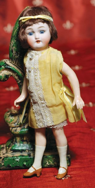 14: GERMAN BISQUE FLAPPER DOLL BY SIMON & HALBIG.  Mark