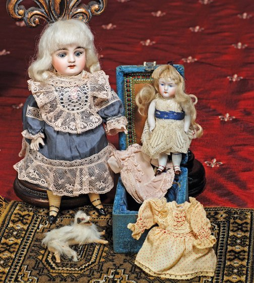 22: KESTNER ALL-BISQUE DOLL WITH SWIVEL NECK - WITH ACC
