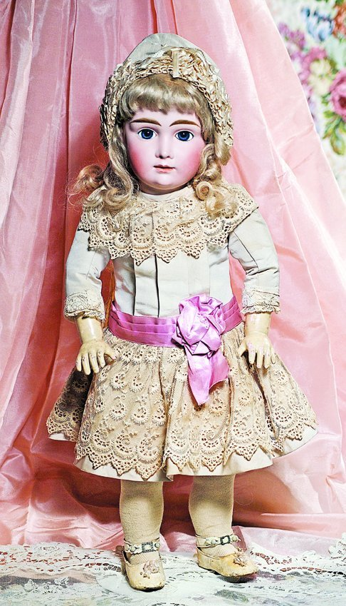 """A.T. KESTNER"" - BEAUTIFUL GERMAN BISQUE DOLL MODELLED"