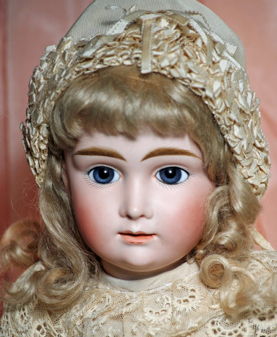 """A.T. KESTNER"" - BEAUTIFUL GERMAN BISQUE DOLL MODELLED - 2"