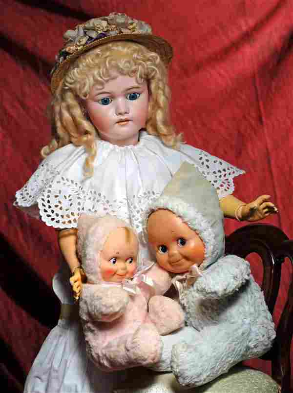 LARGE GERMAN BISQUE DOLL BY SIMON & HALBIG. Marks: