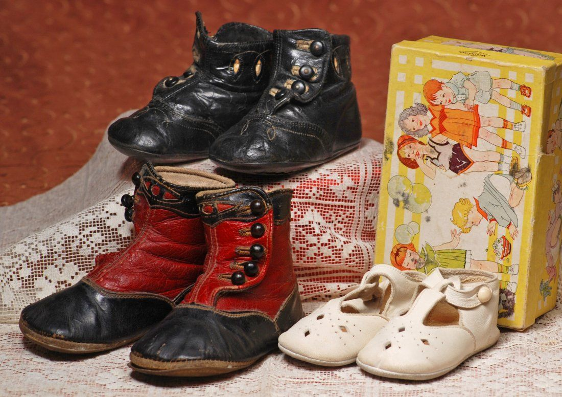 THREE PAIRS OF SHOES FOR LARGE DOLLS