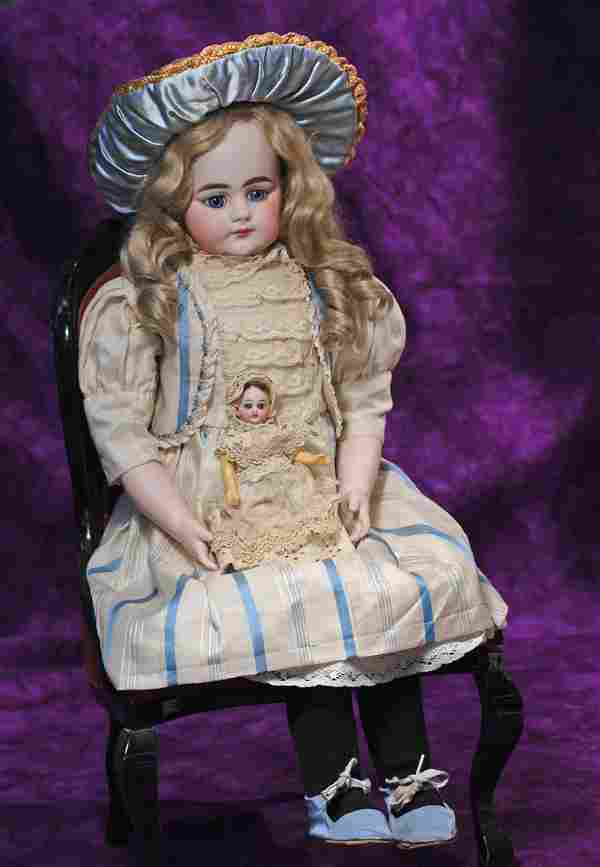 RARE CLOSED-MOUTH SIMON AND HALBIG BISQUE DOLL. Marks:
