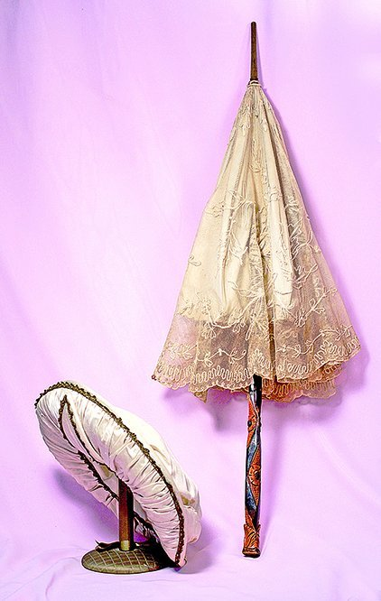 LADIES BONNET AND PARASOL.  Collapsible embroidered