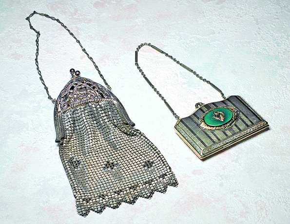 "ANTIQUE PURSE AND PURSE COMPACT.  7"" mesh purse with"