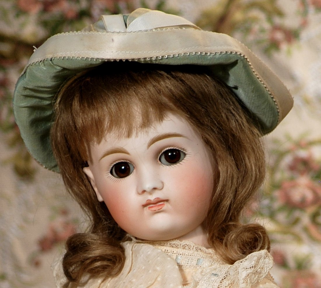 EARLY GERMAN BISQUE, CLOSED-MOUTH DOLL KESTNER - 2