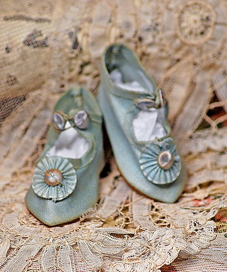 PAIR OF BLUE DOLL SHOES