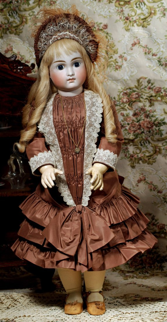 VERY LOVELY, EARLY CLOSED MOUTH DOLL BY KESTNER - 2
